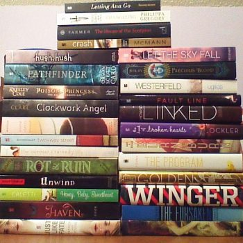The Sunday Post – Stacking the Shelves (52)